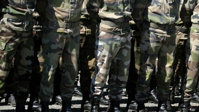 Militaires en rang. (Photo d'illustration)