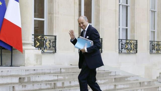 Laurent Fabius étudie l'amende de BNP Paribas.