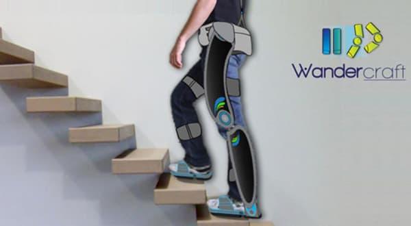L'exosquelette se contrôle avec le buste grâce à des capteurs de mouvement.