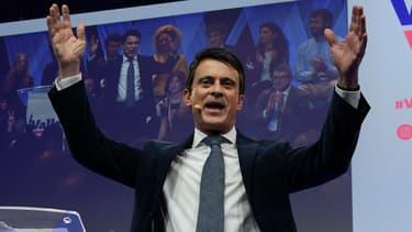 Manuel Valls lors de sa campagne pour les élections municipales à Barcelone (Espagne), le 13 décembre 2018.