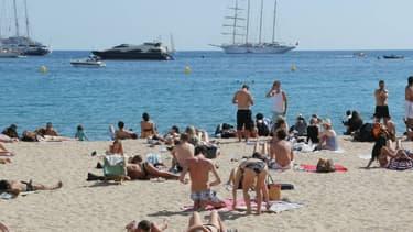 La plage de Cannes en mai 2014.