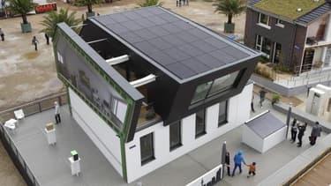 Une Maison du Futur au rassemblement européen Solar Decathlon 2014 à Versailles