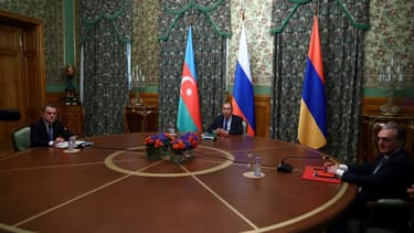 Les ministres des Affaires étrangères russe, arménien et azerbaïdjanais à Moscou le 9 octobre 2020