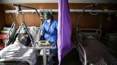 """A l'hôpital de Gonesse (Val-d'Oise), le 22 octobre 2020. """"On peut constater l'accélération du nombre de malades"""" admis dans l'établissement, s'inquiète le directeur Jean Pinson"""