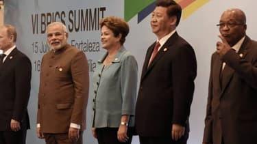 De gauche à droite, les dirigeants des cinq BRICS: Vladimir Poutine (Russie), Narendra Modi (Inde), Dilma Roussef (Brésil), Xi Jinping (Chine) et Jacob Zuma (Afrique du Sud)