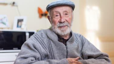 Roger Auvin, né le 20 mars 1908 et doyen des hommes français, est mort ce mardi à l'âge de 111 ans.