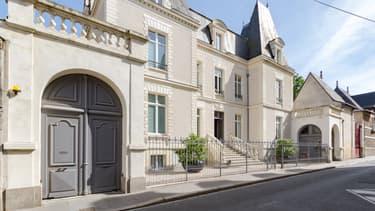 L'ancien footballeur français vient de céder son hôtel particulier nantais.