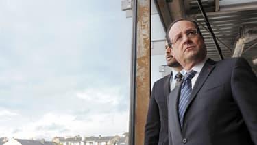 Le président de la République François Hollande, sur le site du futur musée Pierre Soulages, à Rodez, le 29 mai 2013