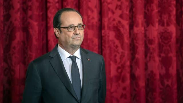 François Hollande à l'Élysée le 16 janvier 2017 lors d'une cérémonie de remise de la Légion d'honneur