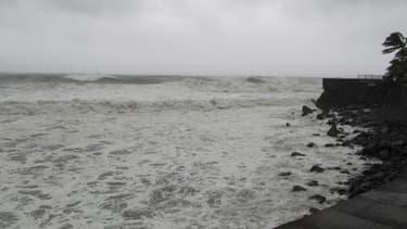 La mer était agitée à Saint-Denis.