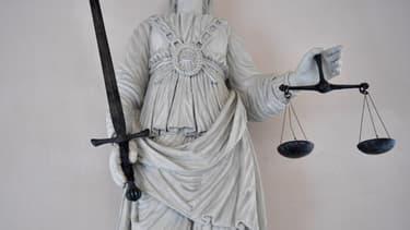 Une statue représentant la déesse de la justice tenant le symbole de la balance, à Rennes (illustration)
