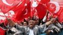 Des supporters de l'AKP, le parti du président turc Recep Tayyip Erdogan, lors d'un meeting à Ankara, le 5 juin.