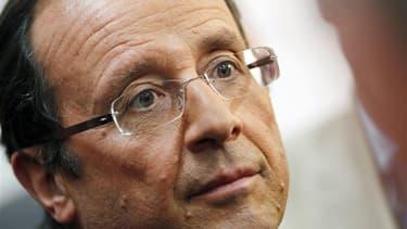 François Hollande a accusé jeudi le président Nicolas Sarkozy d'orchestrer la campagne de dénigrement le concernant, qui s'est intensifiée ces derniers jours. /Photo prise le 29 septembre 2011/REUTERS/Régis Duvignau