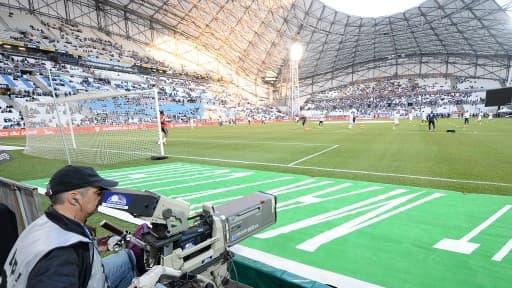 Le nouveau Stade Vélodrome peut accueillir 67.000 personnes, mais sera sans doute vide pour le début du championnat.