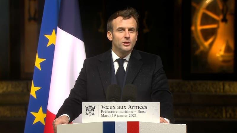 """Covid-19: des maires dénoncent une """"pénurie"""" de vaccins, Macron appelle à ne """"pas céder à l'impatience"""""""