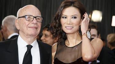Le magnat de la presse Rupert Murdoch, patron de News Corp, a entamé jeudi une procédure de divorce après 14 ans de mariage avec sa femme Wendi Deng. /Photo prise le 24 février 2013/REUTERS/Lucy Nicholson