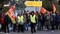 Aéroport de Marseille-Provence dont les accès ont été bloqués quelques heures jeudi matin par des salariés des raffineries de l'Etang-de-Berre et du port de Marseille, rejoints par des manifestants d'autres secteurs. /Photo prise le 21 octobre 2010/ REUTE