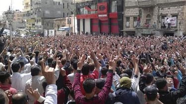 Manifestation à Banias, vendredi dernier. La répression de la vague de contestation qui dure depuis deux mois en Syrie a fait jusqu'à 850 morts et entraîné plusieurs milliers d'arrestations, selon le Haut Commissariat aux droits de l'homme des Nations uni