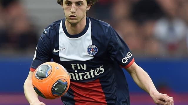 """Adrien Rabiot est actuellement la cible """"préférée"""" des supporters du PSG."""