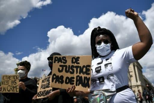 Manifestation place de la Concorde contre les violences policières et le racisme, le 6 juin 2020 à Paris