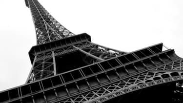 Un morceau de Tour Eiffel a été vendu aux enchères