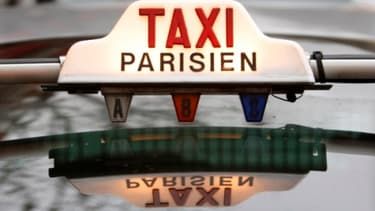 Les taxis parisiens tentent de reconquérir leurs clients