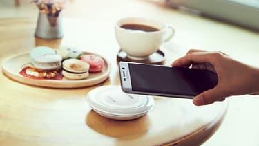Samsung a par ailleurs sous-estimé le succès du Galaxy S6 Edge, dont l'écran incurvé rend sa fabrication plus complexe