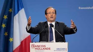 """Dans un discours à Orléans, le candidat socialiste à l'élection présidentielle, François Hollande, a proposé jeudi """"un nouveau contrat entre l'école et la Nation"""" à même de résorber la """"dette éducative"""" creusée selon lui par l'actuel gouvernement. Il a no"""