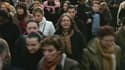 L'aggravation de la crise de la dette, le ralentissement de la croissance économique et les turbulences sur les marchés n'ont pas encore affecté la bonne tenue des embauches en France, montre mercredi le dernier baromètre économique de l'Acoss, la caisse