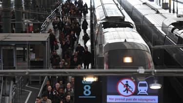 46% des Français soutiennent la mobilisation des cheminots contre la réforme ferroviaire.