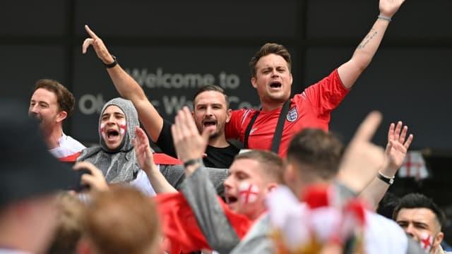 Les supporters anglais aux abords du stade de Wembley, théâtre de la finale Angleterre-Italie, le 11 juillet 2021