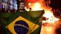 Un manifestant brésilien portant le masque des Anonymous, à Sao Paulo.