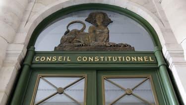 Le gouvernement va supprimer toute référence aux binationaux dans la révision constitutionnelle - 27 janvier 2016