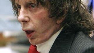 Une cour d'appel de Californie a confirmé lundi le jugement de culpabilité prononcé en mai 2009 à l'encontre du producteur de rock Phil Spector, condamné à 19 ans de prison pour le meurtre d'une ancienne actrice, Lana Clarkson. Les avocats du producteur o