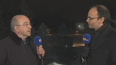 Joaquin Almunia (à gauche), au micro de Benaouda Abdeddaïm, est prêt pour un grand marché européen des télécoms