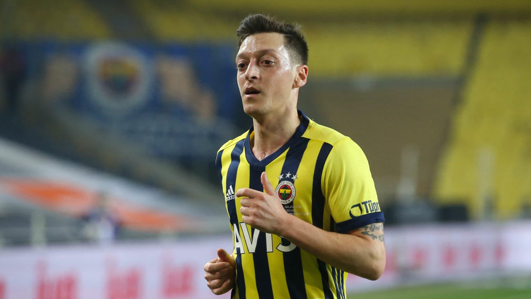 Turquie: les débuts très difficiles d'Özil avec Fenerbahçe