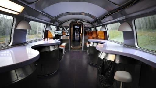 Les wagons restaurants de la SNCF devraient être mieux à même de séduire les voyageurs avec une nouvelle offre de restauration.