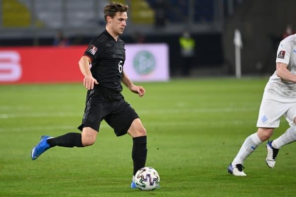 Le milieu allemand Joshua Kimmich lors du match de qualification pour le Mondial 2022 contre l'Islande, à Duisbourg, le 25 mars 2021