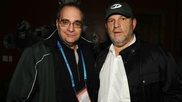 Bob Weinstein (à gauche) et son frère Harvey Weinstein (à droite) à Park City en janvier 2011