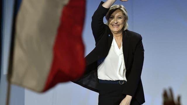 Marine Le Pen en meeting à Bordeaux.