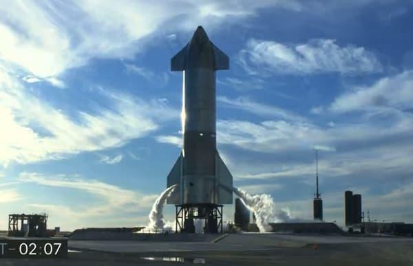 La fusée SN8 (Starship serial number 8) avant le décollage
