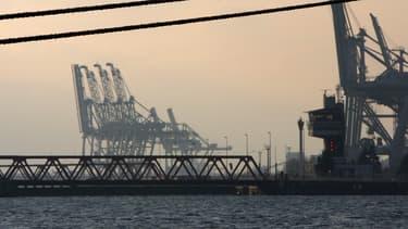 La zone industrielle et portuaire du Havre était bloquée ce jeudi, tout comme les entrées du Grand Port maritime de Marseille, par des manifestants mobilisés à l'appel de la CGT contre la réforme des retraites.