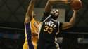 Trevor Booker en action face aux Lakers.