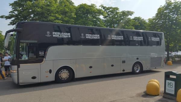 Le bus officiel des PES World Finals