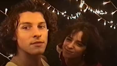 "Shawn Mendes et Camila Cabello dans le clip de ""The Christmas Song"""
