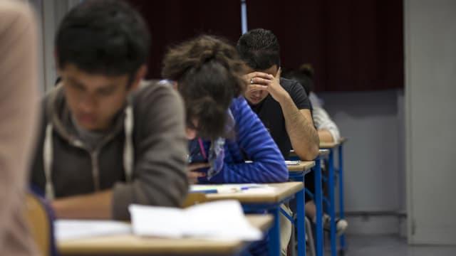 Une étudiante algérienne a été prise en flagrant délit de triche lors du Bac.