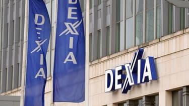 Dexia a cédé à la pression des pouvoirs publics en réduisant la rémunération de certains dirigeants