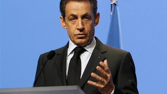 Dans un discours prononcé mercredi à l'occasion du 4e anniversaire du plan Alzheimer, Nicolas Sarkozy a déclaré qu'il n'avait pas renoncé à une réforme de la prise en charge de la dépendance des personnes âgées mais qu'il ne la mettrait en oeuvre que quan