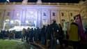 Le Grand Palais de Paris est exceptionnellement ouvert 24 heures sur 24 ce week-end -depuis vendredi 09h00 et jusqu'à lundi 21h00- à l'occasion de la fin de la rétrospective Claude Monet. Des milliers de personnes ont déjà bravé le froid et la fatigue, af