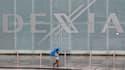 La Belgique, la France et le Luxembourg ont donné lundi matin le coup d'envoi au plan de démantèlement de la banque franco-belge Dexia, première victime européenne de taille de la crise de la dette en zone euro, au terme d'une journée et d'une nuit de nég